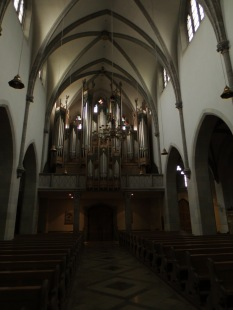 Inside the large chapel (looking to other way)