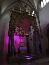 The altar, with trippy magenta light