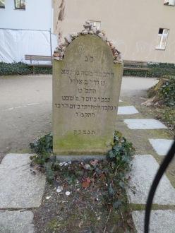 The Hebrew side of Mendelssohn's gravestone
