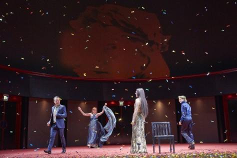 Norman Hacker (Antonio Montecatino), Sibylle Canonica (Leonore von Este), Nora Buzalka (Leonore Sanvitale), Valery Tscheplanowa (Torquato Tasso). Photo: Matthias Horn