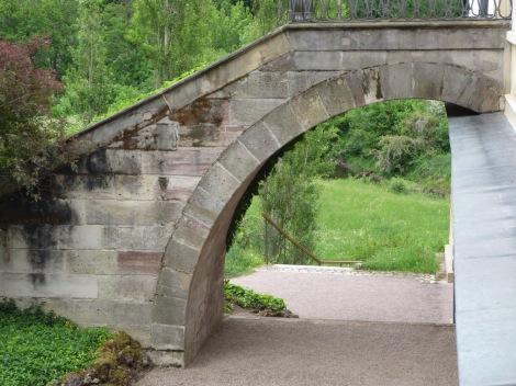 Bridge to the side door of the Roman House